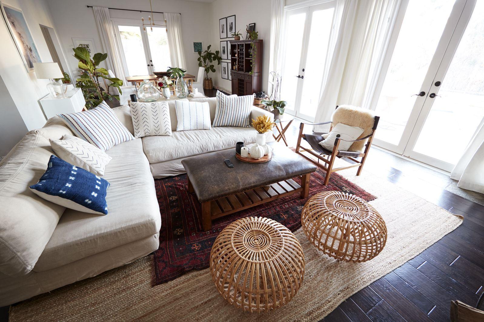 Rogówka czy kanapa 2 osobowa + fotel. Która kombinacja lepsza?
